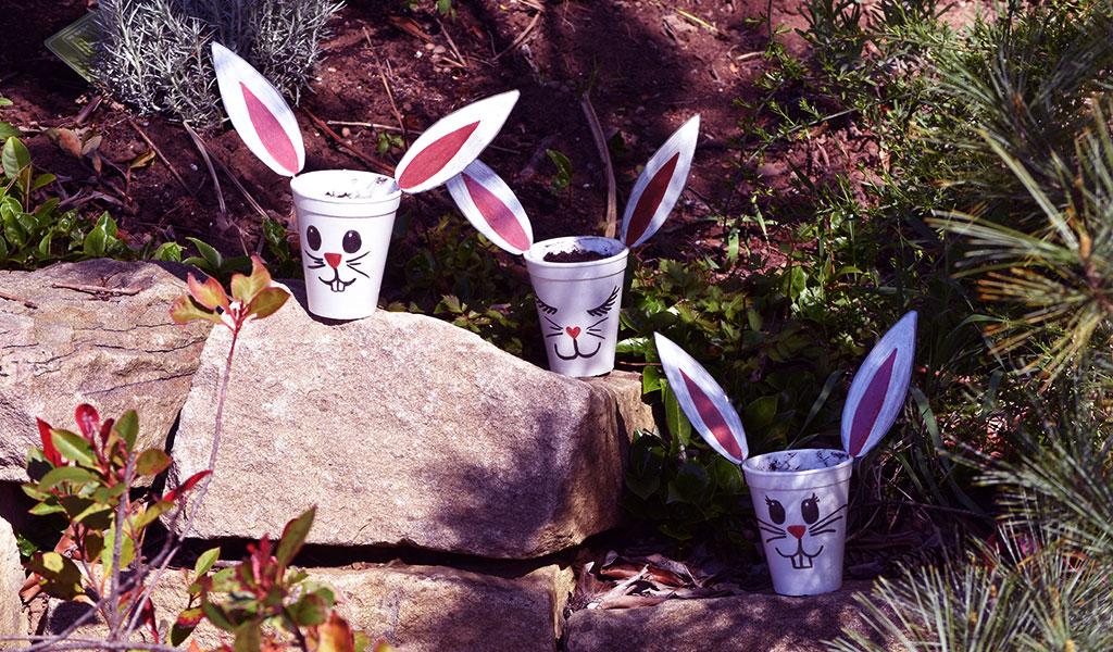 Viel Spaß mit den Osterhasen Blumenbechern!