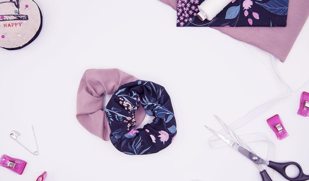 DIY Scrunchies aus Stoffresten als einfache Geschenkidee