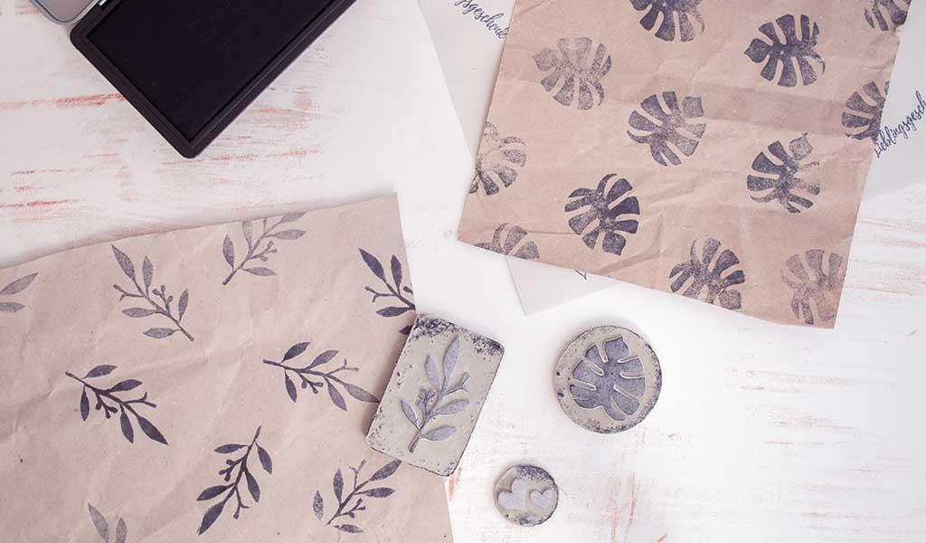 Geschenkpapier ganz einfach mit selbstgemachten Stempeln verschönern