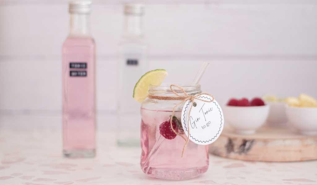 frühlingshafter Gin Tonic to go als Geschenkidee