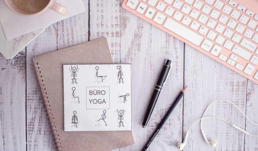 Geschenke fürs Home-Office - Karte mit Büro Yoga als lustige Geschenkidee