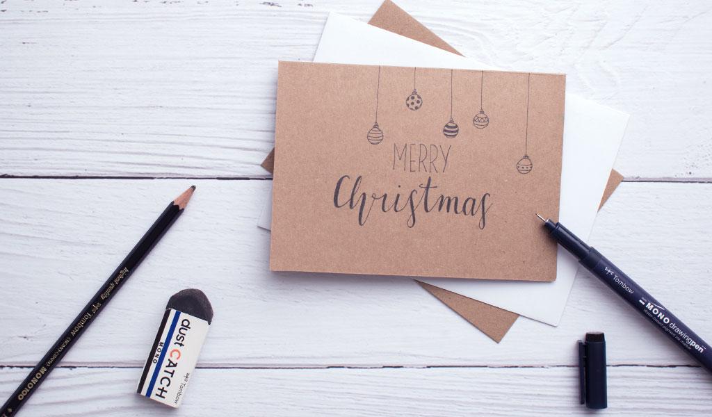 einfache Weihnachtskarte mit Fineliner gemalt