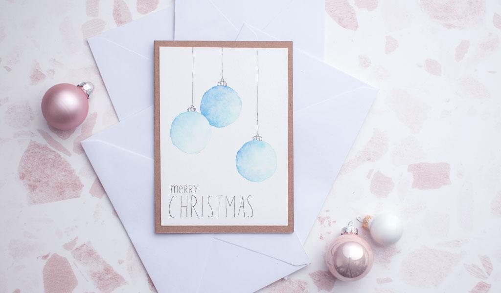 Weihnachtskugeln mit Aquarellfarben gemalt