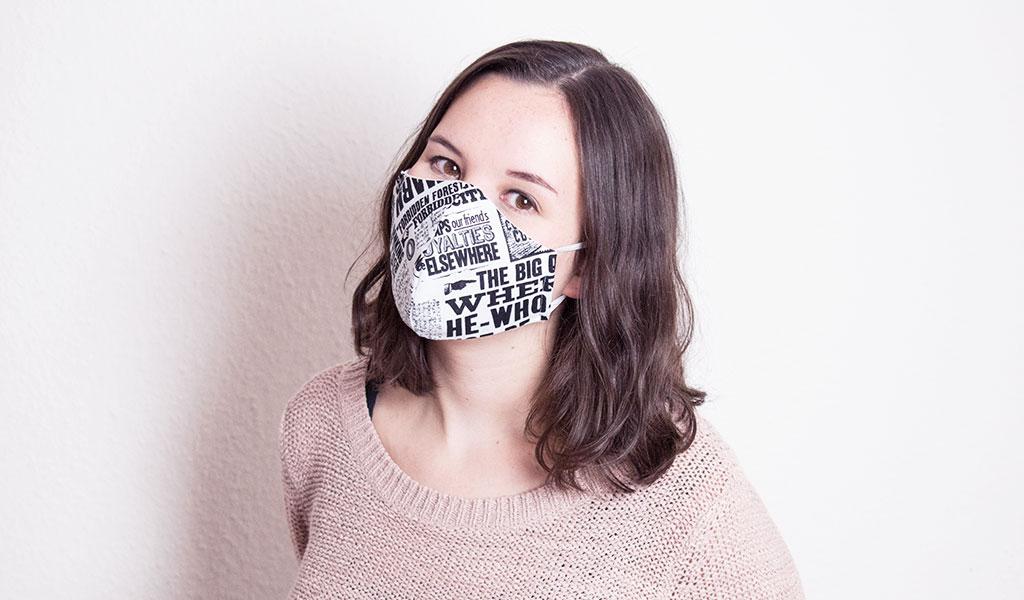 Selbstgenähte Maske im Harry Potter Design