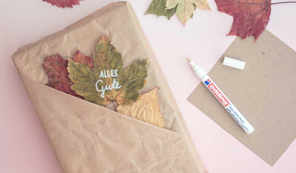 Geschenkverpackungen mit Tasche für Blätter